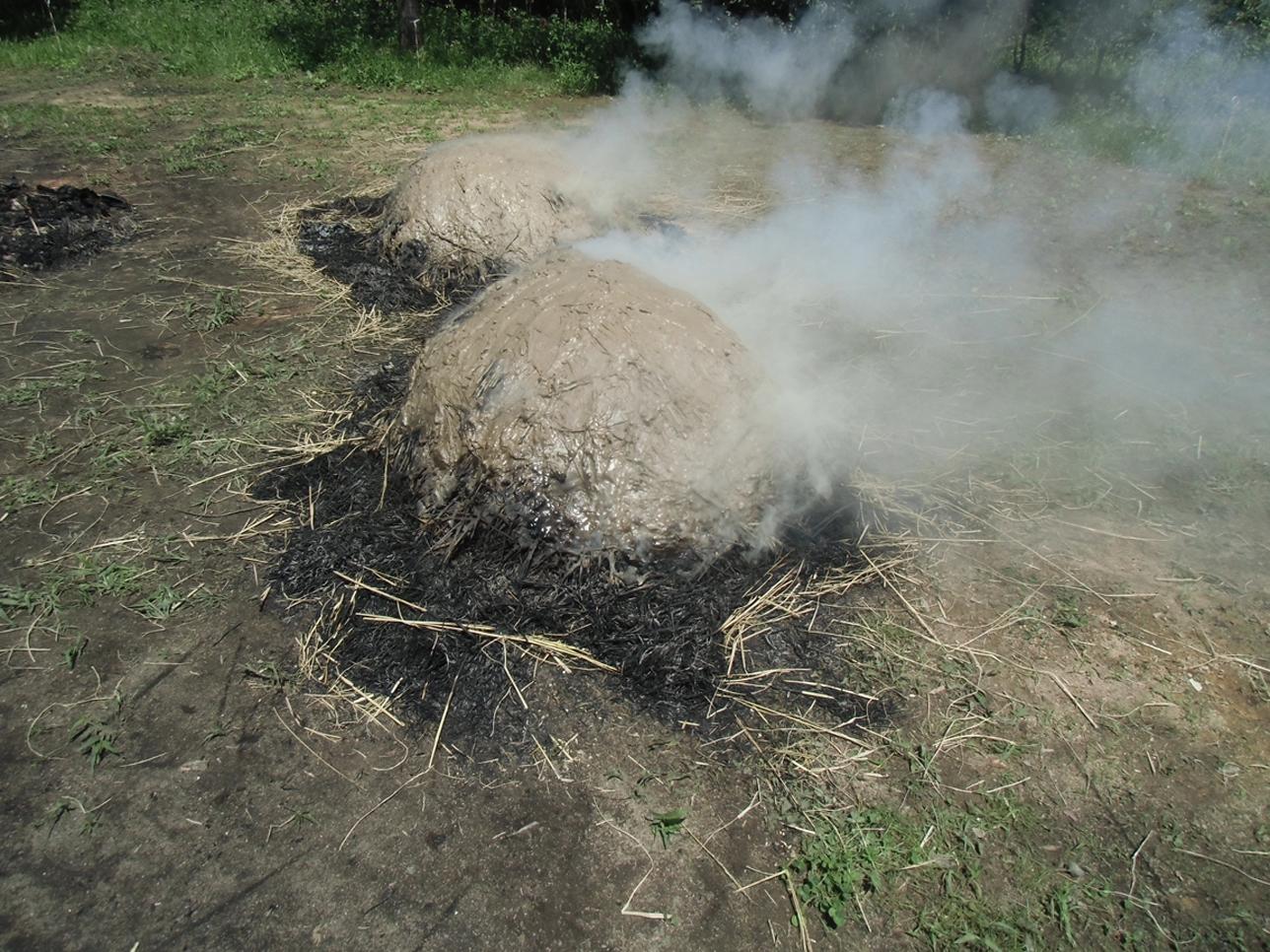 古代体験学習講座「弥生土器づくり」野焼き